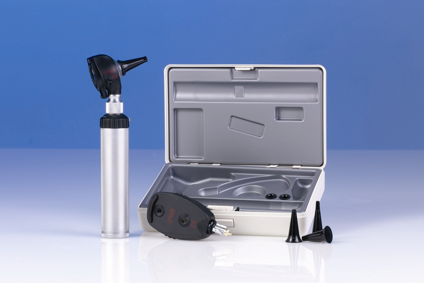 Heine K180 3.5v Diagnostic set in hard case with 1 rechargeable handle and recharger