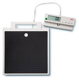 Seca 899 portable medical scale with cable remote display Class III